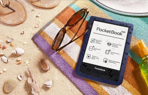 PocketBook Aqua na pláži