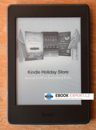 Reklama na uspané čtečce Kindle Paperwhite 3